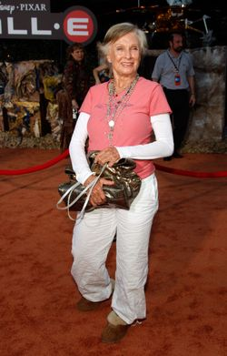 Cloris leachman cute outfit